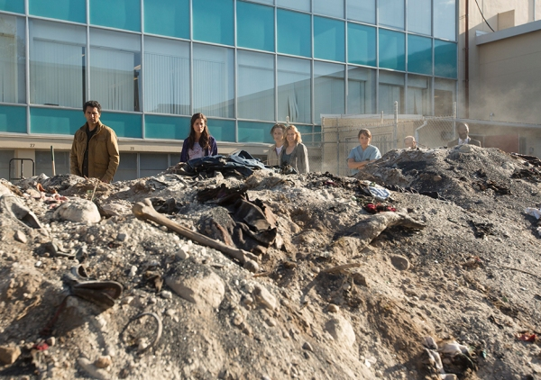 fear-the-walking-dead-episode-106-madison-dickens-935